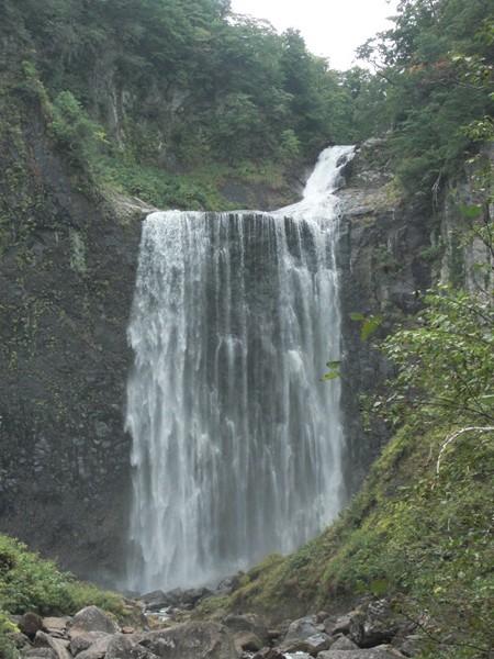 【島牧村】日本の滝100選島牧村・賀老の滝観光案内