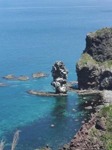 CIMG0725積丹神威岬水無しの立岩1a