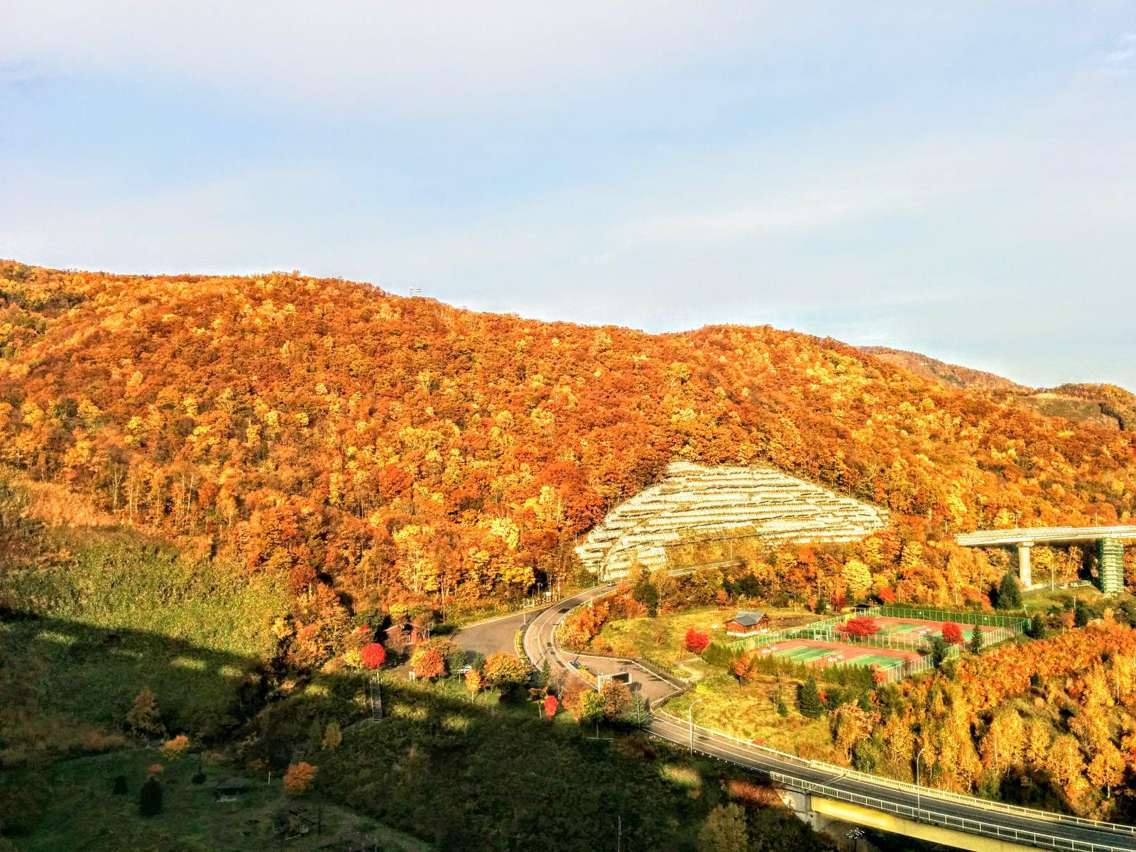 【小樽】紅葉の朝里川温泉朝里ダム観光案内です。