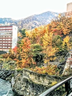【定山渓温泉】紅葉の定山渓温泉観光案内です。