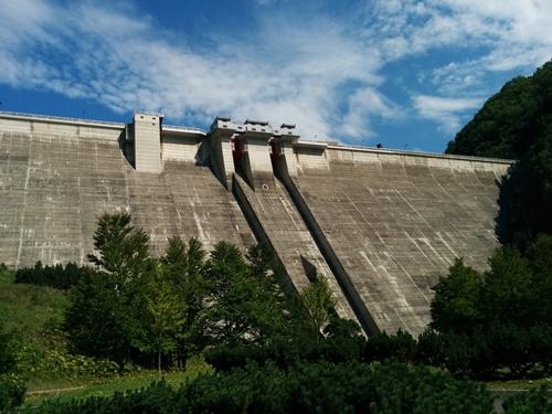【定山渓】紅葉の定山渓ダム観光案内です。