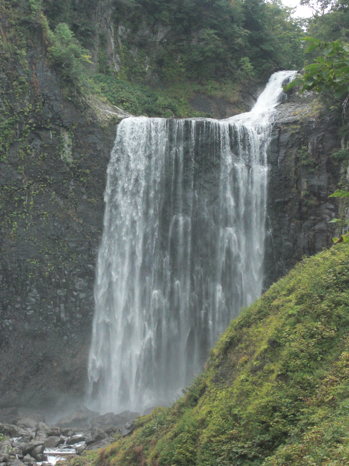 【島牧村】追分ソーランライン賀老の滝・ドラゴンウォーター・狩場山観光案内です。