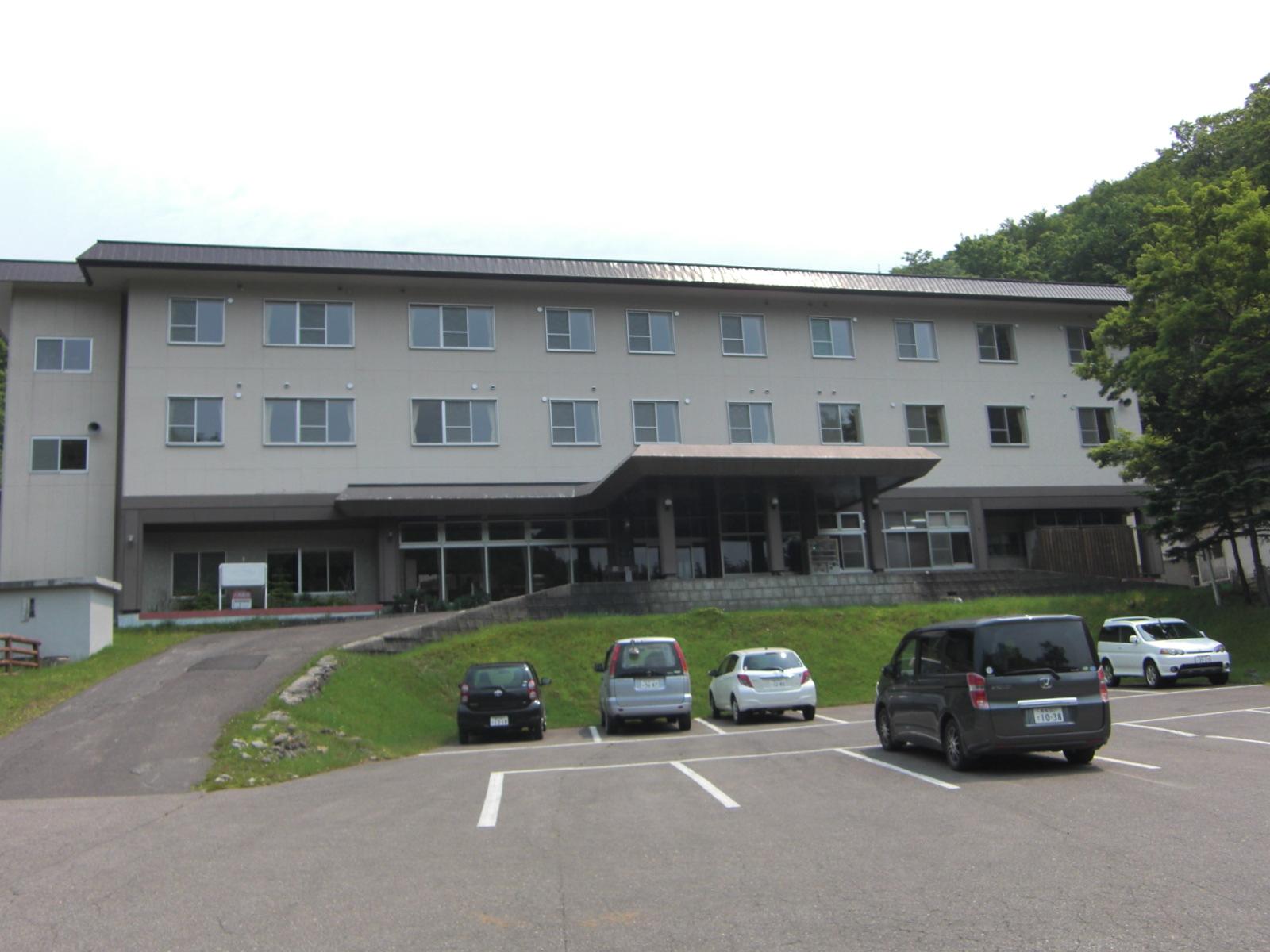 【知床宇登呂】岩尾別温泉・ホテル地の涯観光案内です。