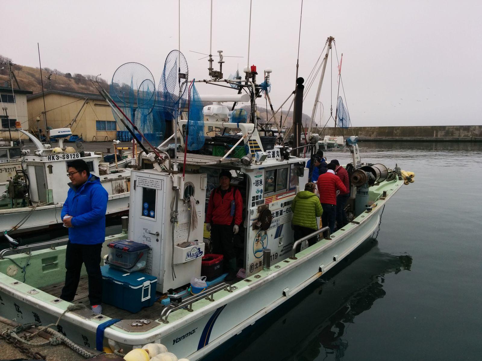 【静内町】静内漁港・釣り船観光タクシー