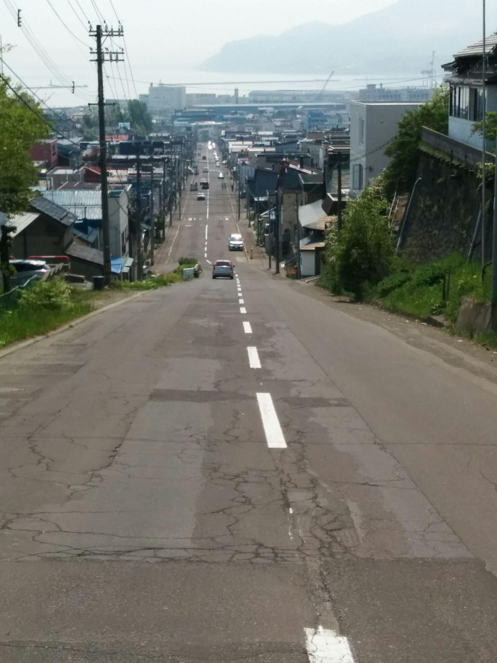 【小樽市】映画「世界から猫が消えたなら」小樽ロケの坂道観光案内です。