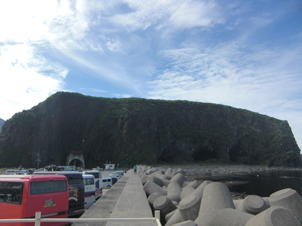 【知床ジャンボタクシー・観光タクシー】宇登呂オロンコ岩観光案内です。