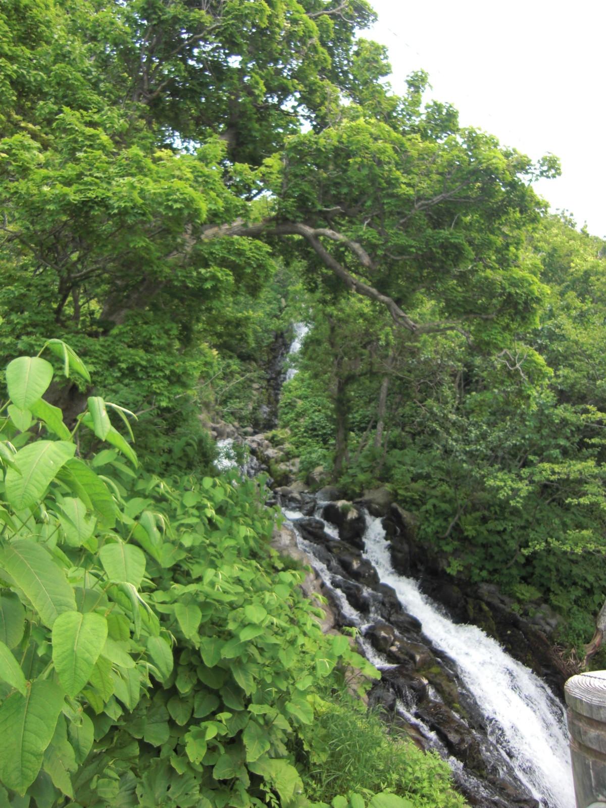【知床半島】三段の滝観光案内です。