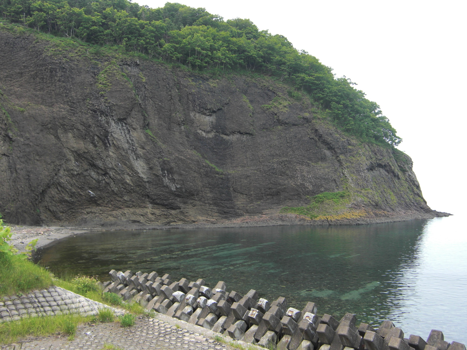 【知床半島】弁財湾とオシンコシン岬観光案内です。
