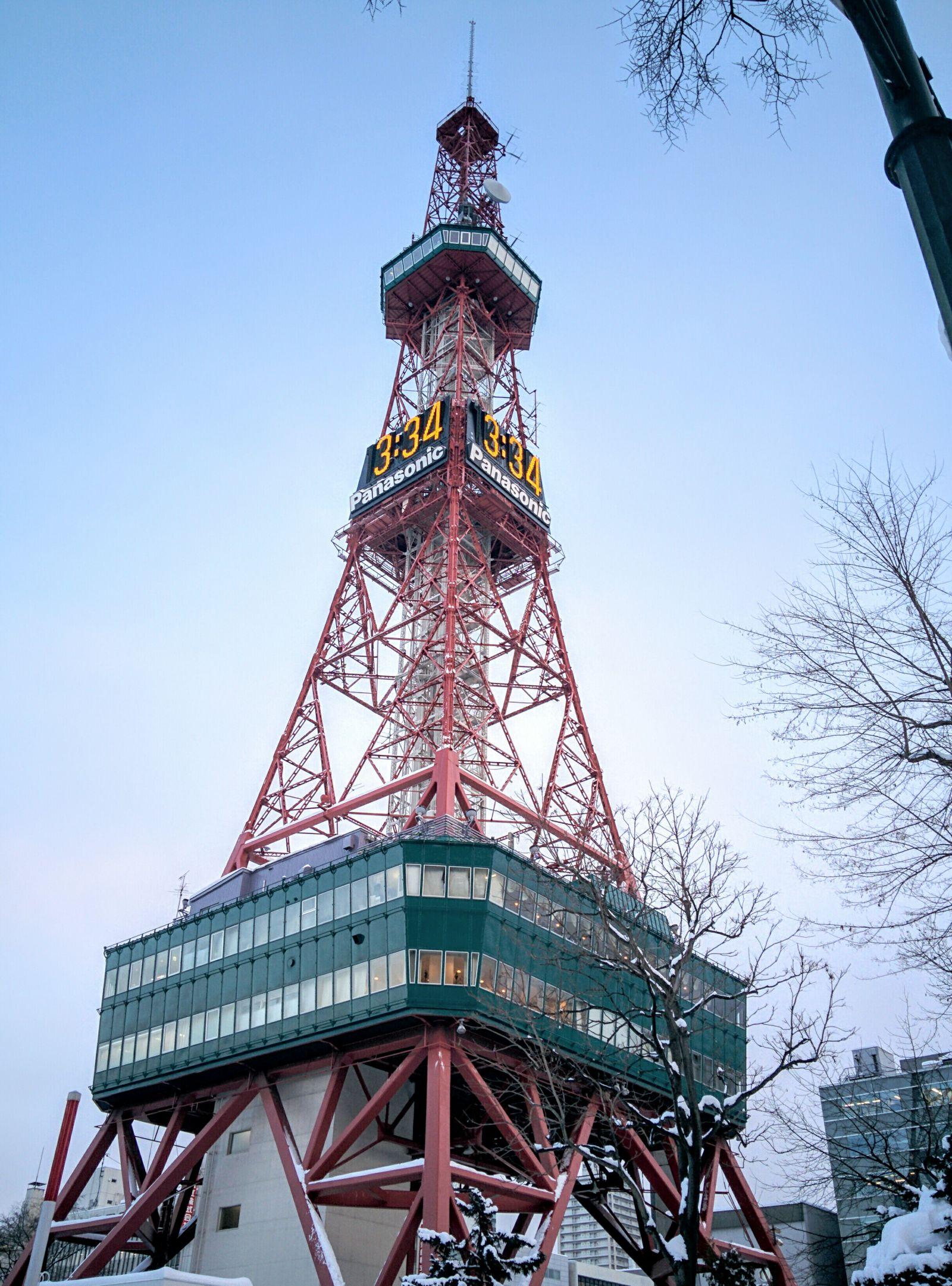 冬の札幌TV塔と大通公園観光案内です。