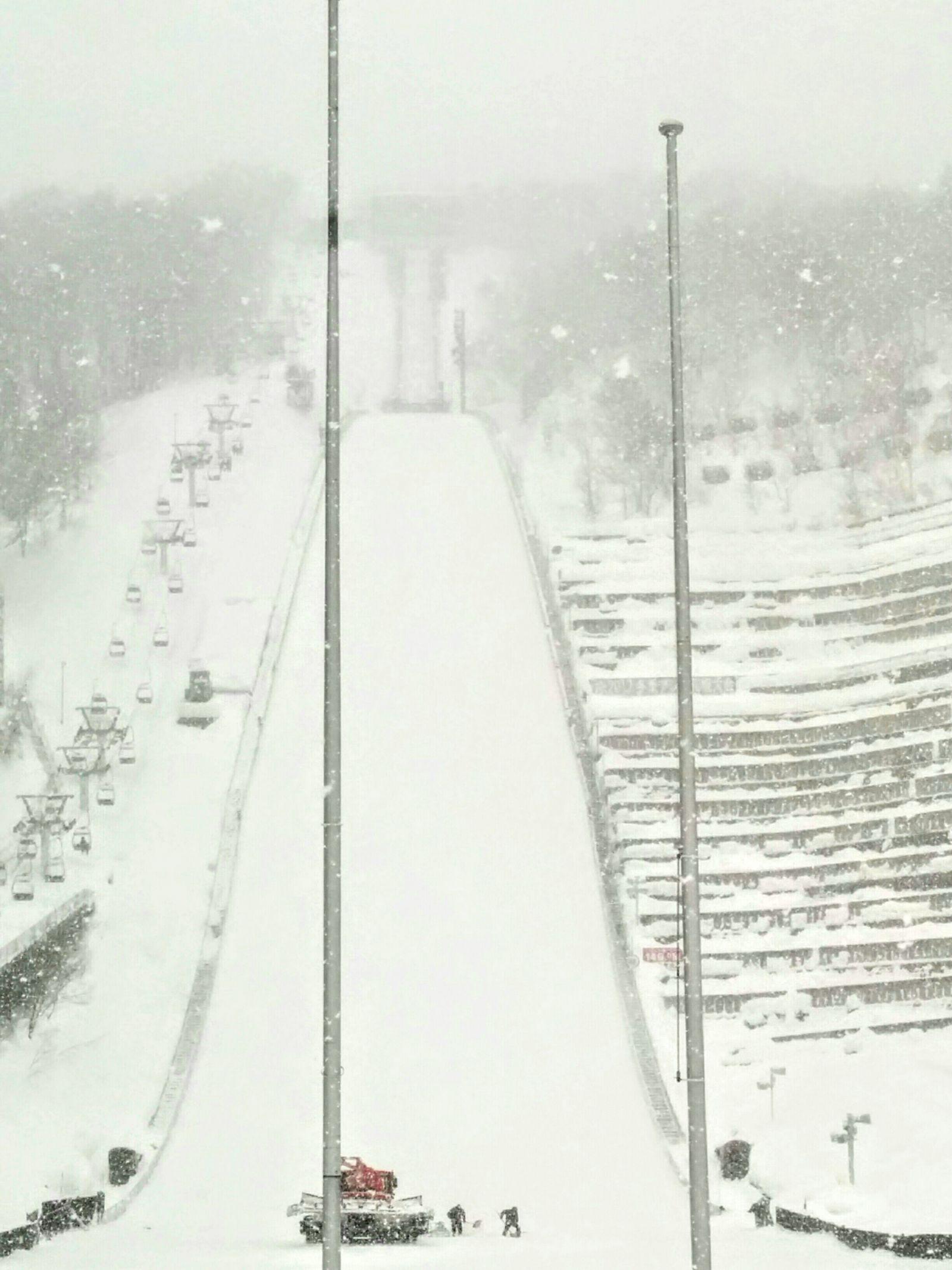 【札幌】冬の大倉山ジャンプ台観光写真です。