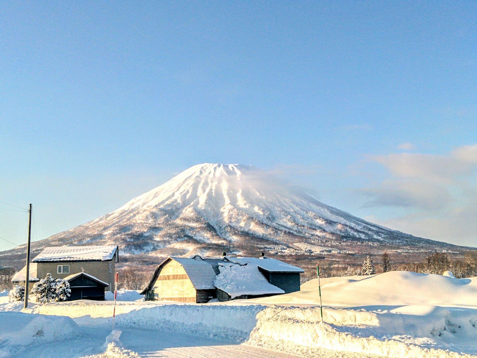 【羊蹄山】倶知安町からの眺望です。