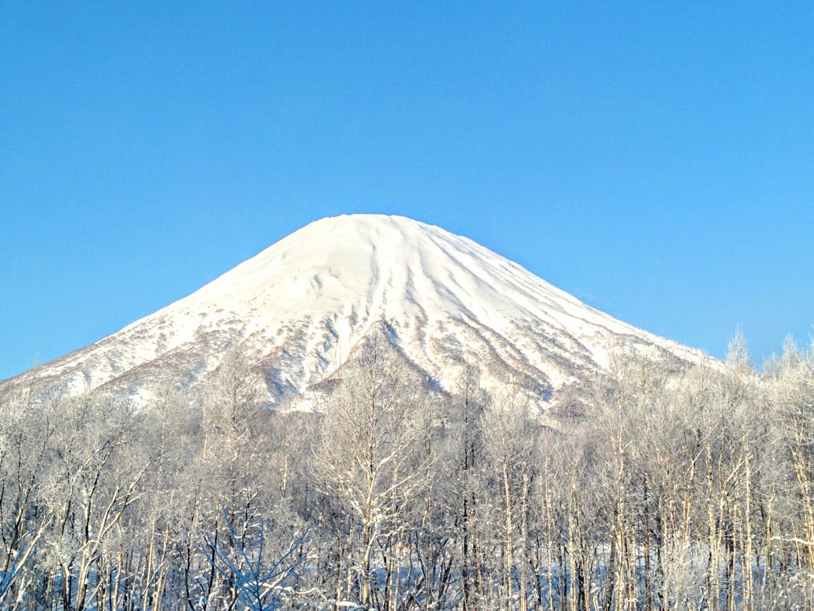 【羊蹄山】京極町と喜茂別町からの眺望です。