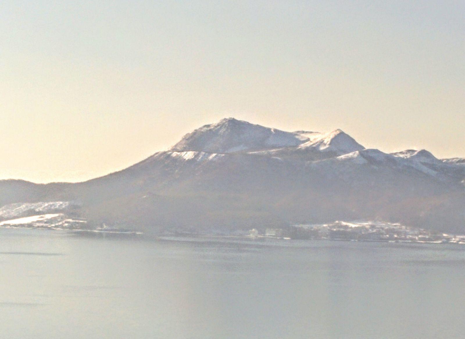【洞爺湖温泉】冬の有珠山観光案内です。