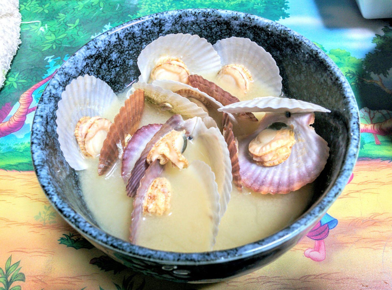 【小樽】ホタテ貝の稚貝で味噌汁を作りました。