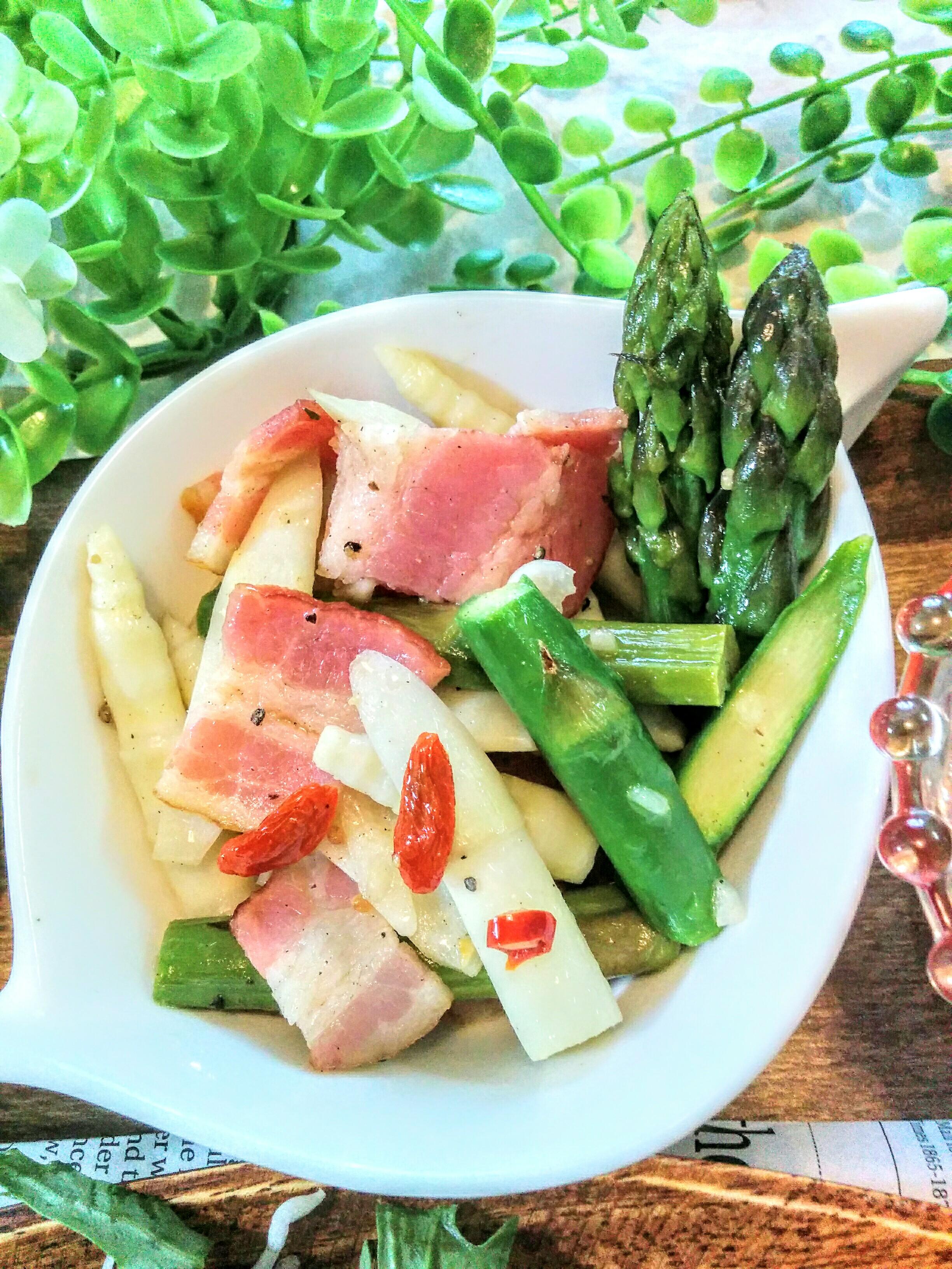 【小樽】お家御飯・姫竹の子とアスパラ・ベーコンのペペチーノ風炒めグルメ案内です。