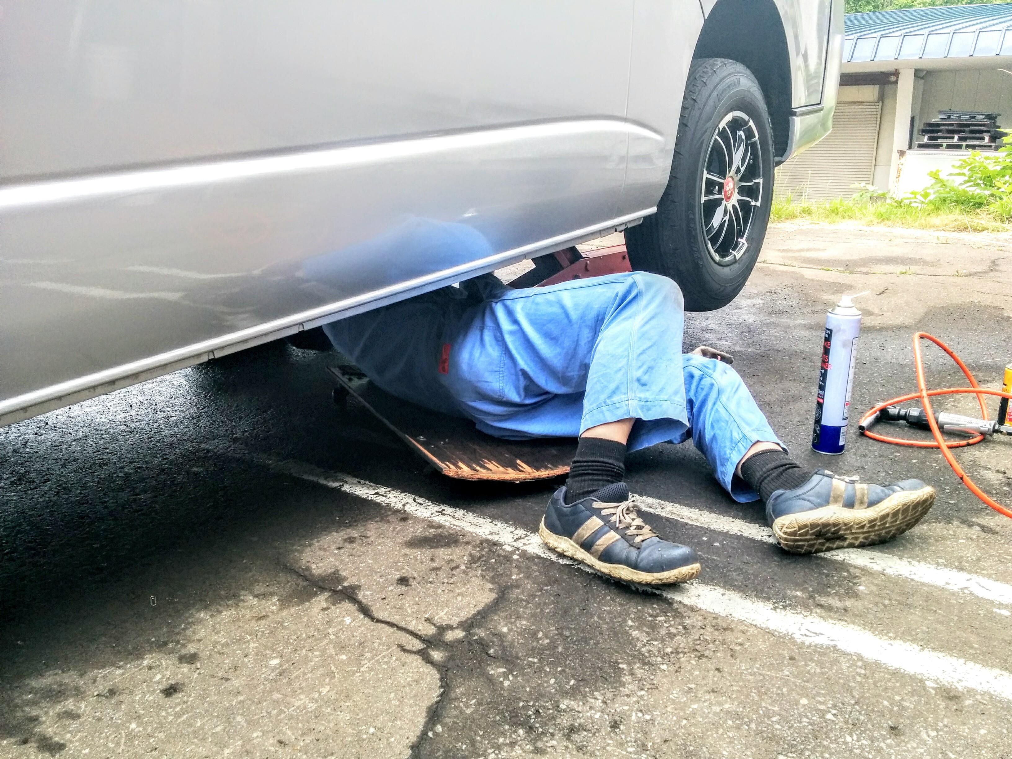 【小樽】愛車ハイエースの三カ月点検とオイル交換、タイヤの振り替えをして来ました。