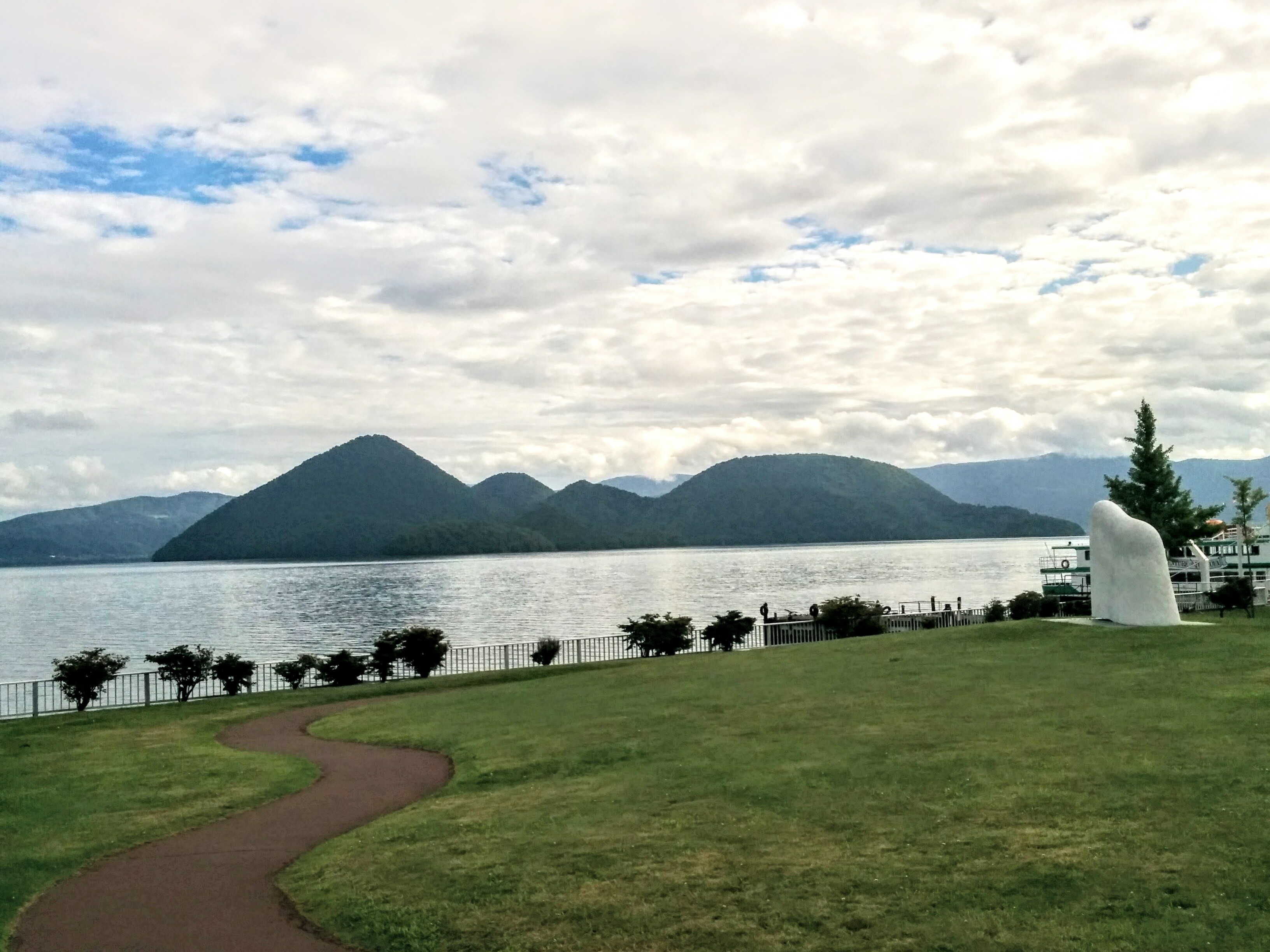 【洞爺湖】洞爺湖、朝の散歩で~す。