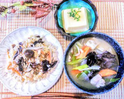 【小樽】キノコの炊き込みご飯とキノコ入り豚汁出来ました。