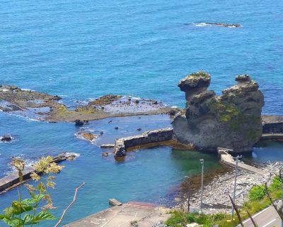 【積丹半島ジャンボタクシー】西積丹神恵内村・キス熊岩と澤口の袋澗観光案内です。