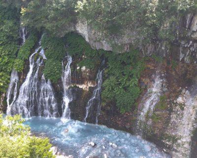 富良野~美瑛~旭川観光貸切タクシー白金温泉白ひげの滝観光案内です。